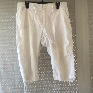 White Gloria Vanderbilt Women's cropped pants